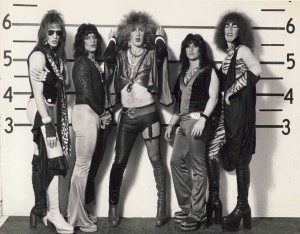 Twisted Sister - dee43 ad croppedj