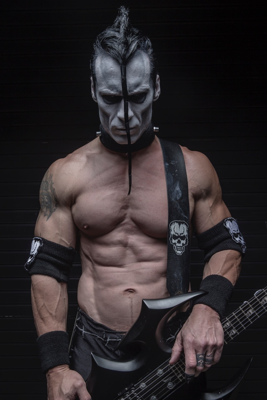 Legendary MISFITS Guitarist Doyle Wolfgang Von Frankenstein Set to star in DON'T LOOK IN THE BASEMENT Remake: DEATH WARD 13