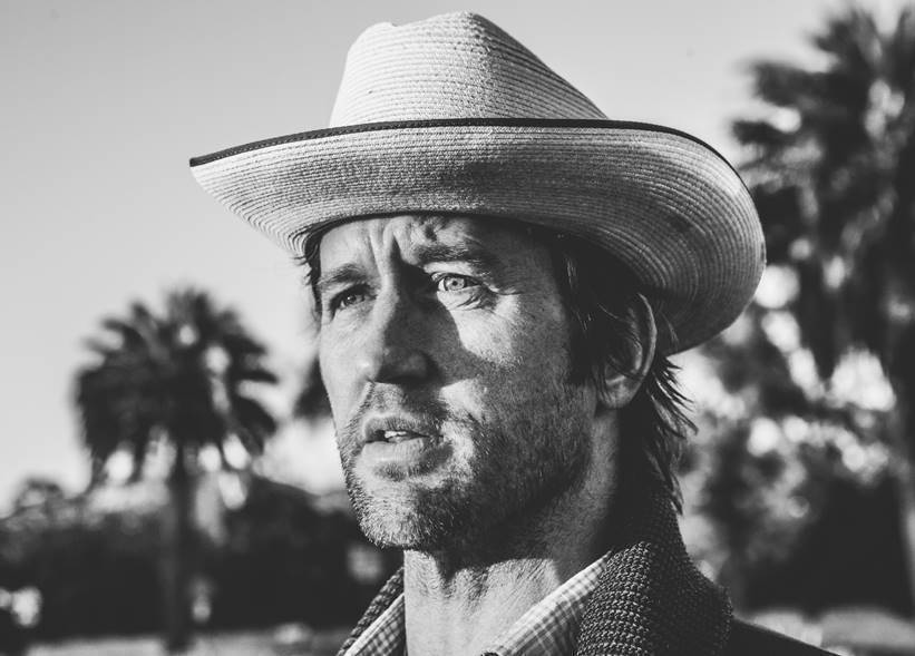 Foo Fighters' Chris Shiflett releases new track 'This Ol' World' & announces UK dates…