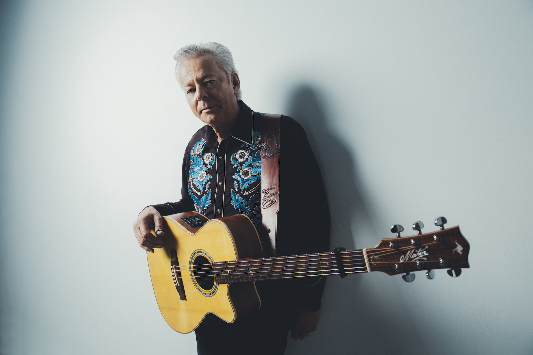 TOMMY EMMANUEL COVERS PURPLE HAZE IN NEW VIDEO