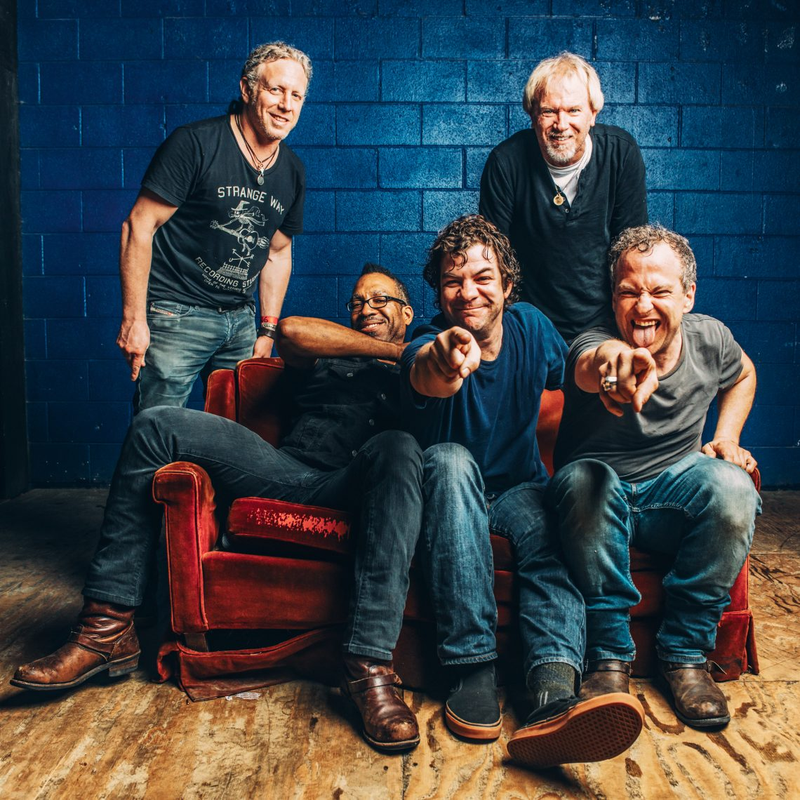 DEAN WEEN ALBUM: 'ROCK2' RELEASE DATE: APRIL 27th, 2018 SINGLE: DON'T LET THE MOON CATCH YOU CRYING' RELEASE DATE: MARCH 9th, 2018