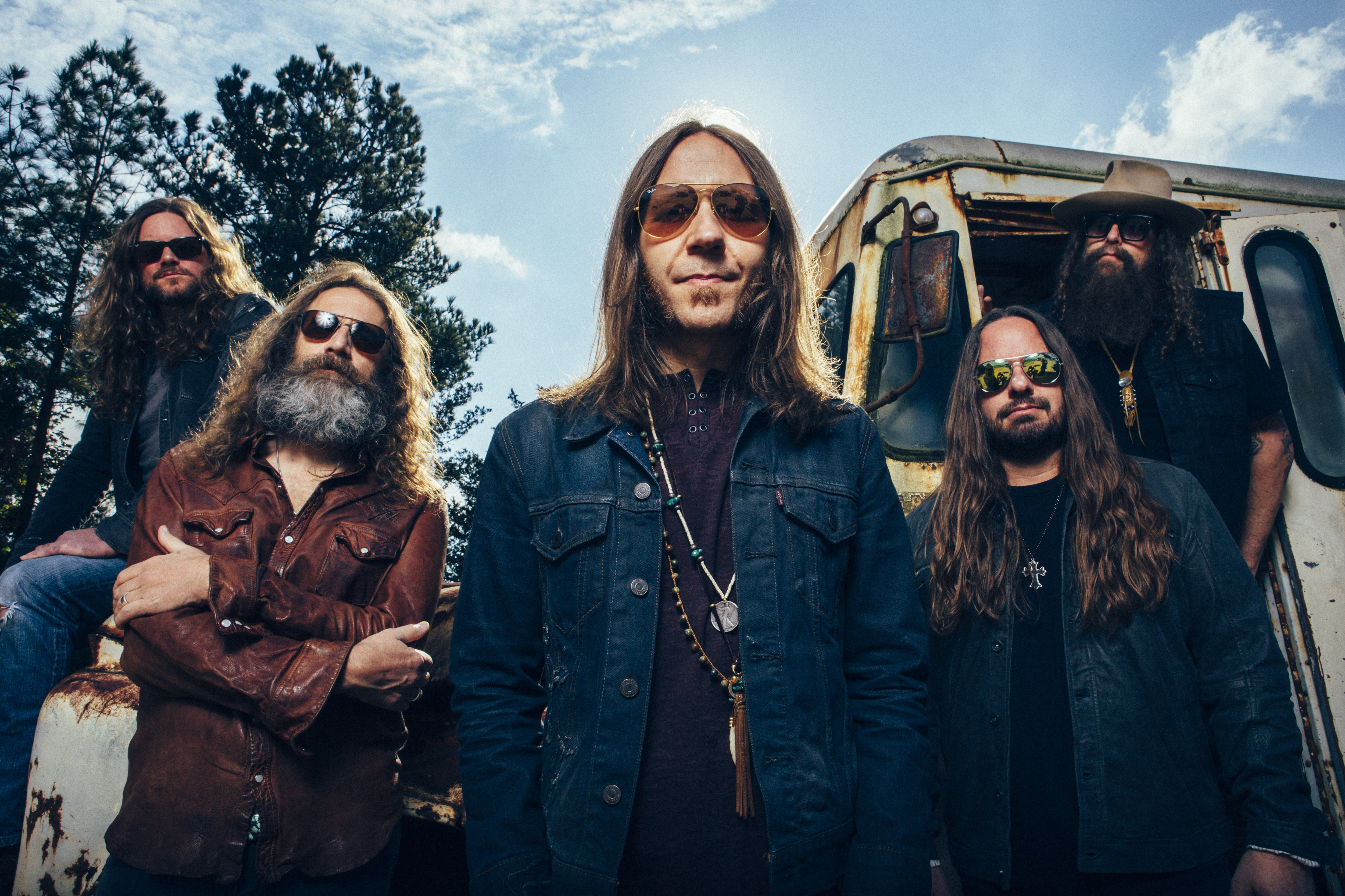 BLACKBERRY SMOKE showcase 'I'll Keep Ramblin' (feat. Robert Randolph)