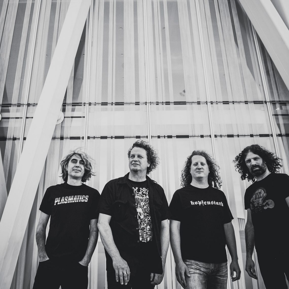 """VOIVOD Release New Single and Video 'Obsolete Beings'; Announce """"The Wake"""" Pre-Order and Limited 7″ EP """"Always Moving"""""""