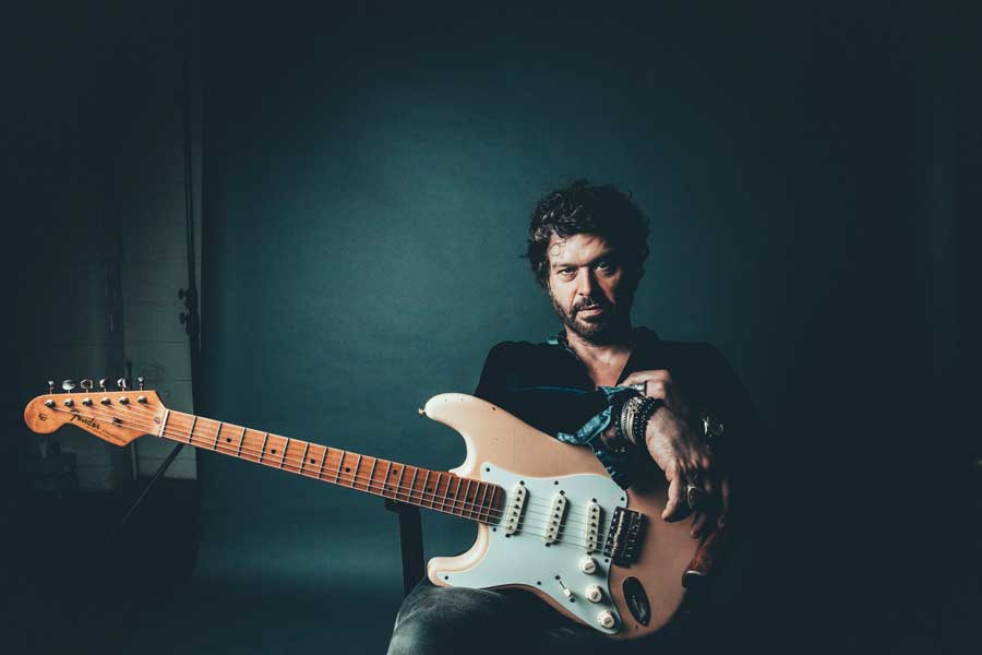 Doyle Bramhall II reveals new song 'Love And Pain'