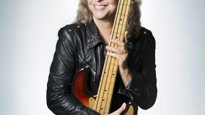 "SUZI QUATRO releases her new album ""No Control"" in March!"