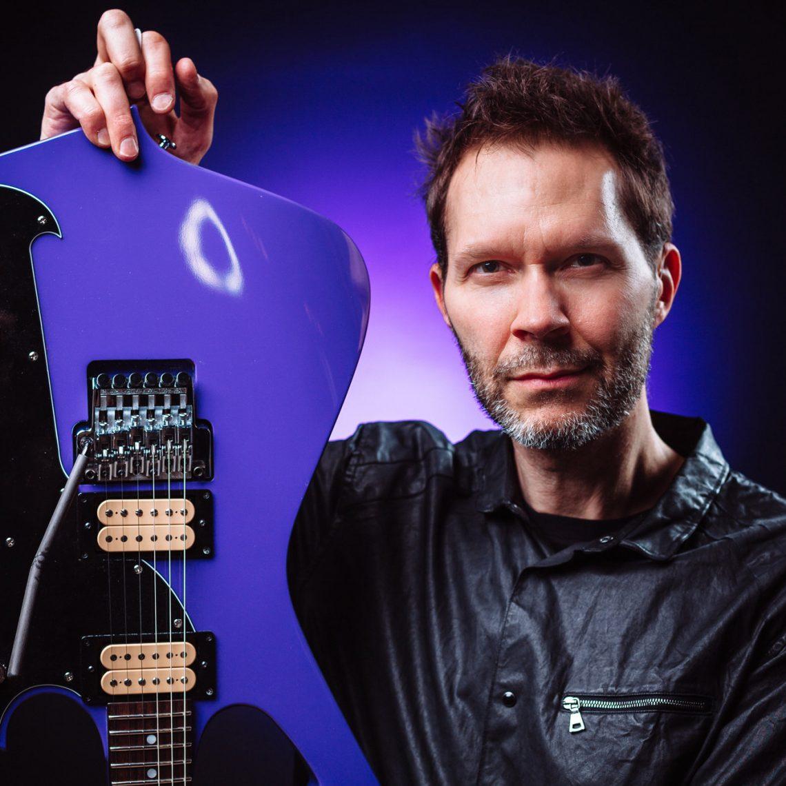 Guitar Pioneer Paul Gilbert Announces New Studio Album & Official Video For New Song 'Havin' It'