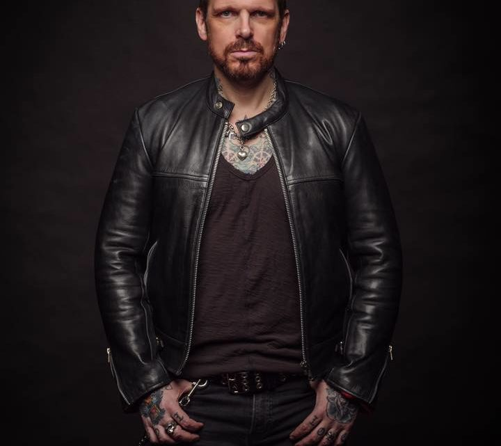 RICKY WARWICK – Signs Exclusive Worldwide Deal With Nuclear Blast And Begins Recording New Solo Album