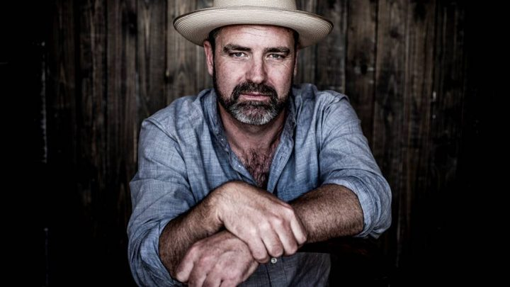 UK Roots artist Martin Harley is delighted to announce the release of his  new album 'Roll With The Punches' in time for an impressive headline European Tour, which includes London's Union Chapel.