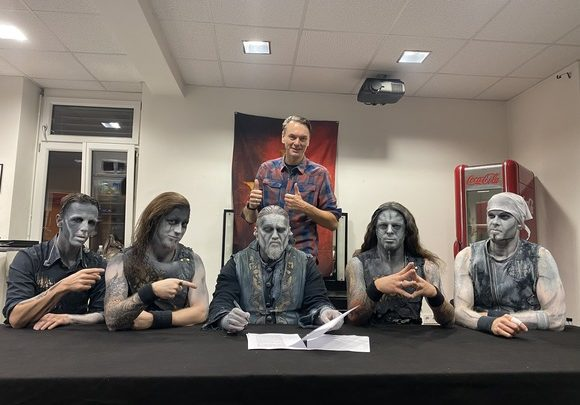 POWERWOLF RE-SIGNS WITH NAPALM RECORDS!