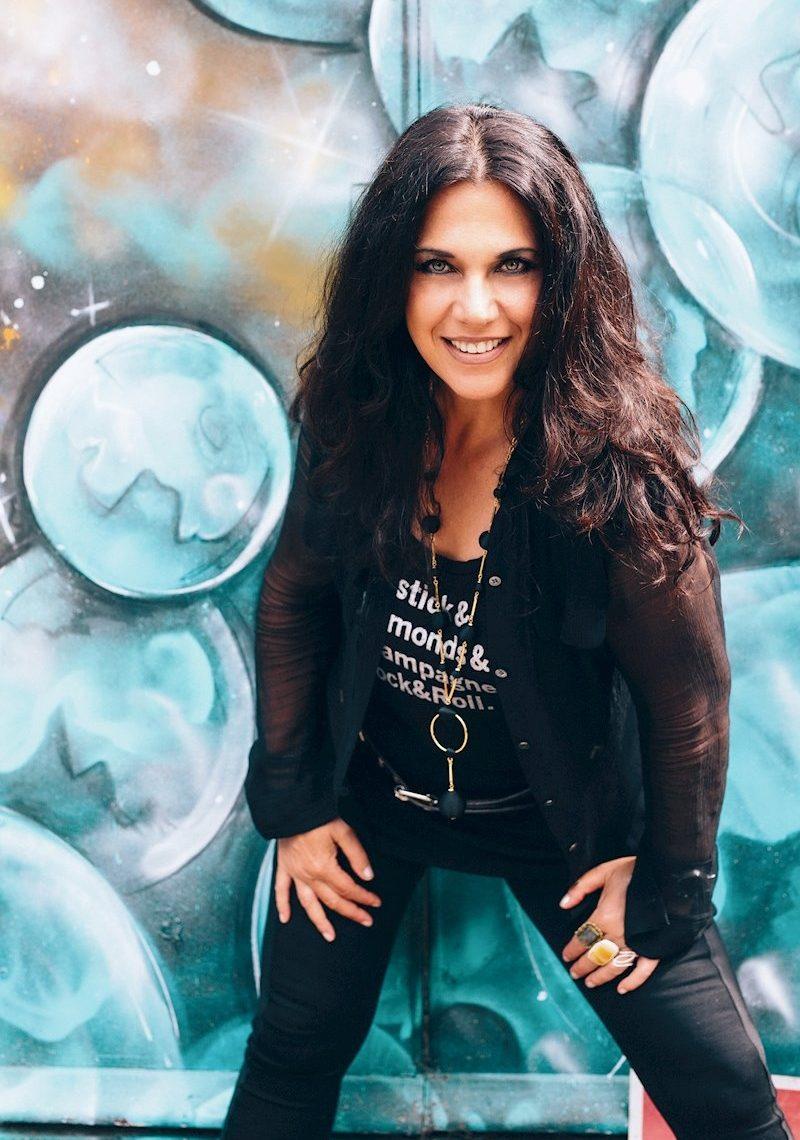Sari Schorr Announces Her New Live Album and European Tour