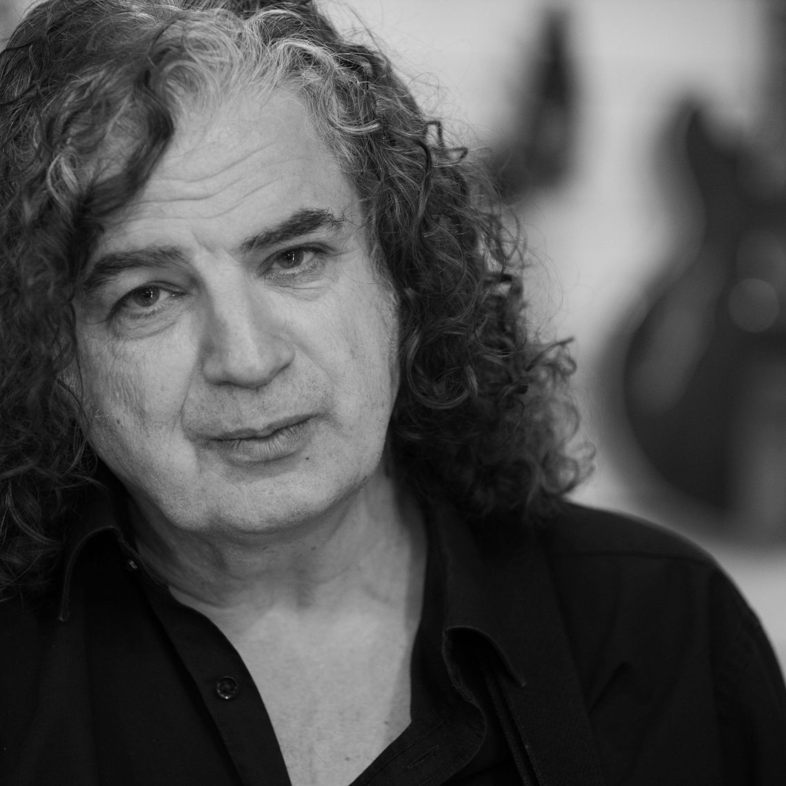 Jakko Jakszyk signs worldwide contract with InsideOutMusic for the release of his next solo album