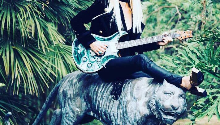ORIANTHI : platinum selling artist and world-class guitarist signs to Frontiers for new album out in late 2020