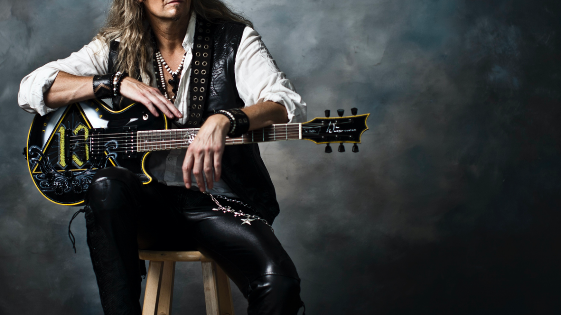 JOEL HOEKSTRA'S 13 : 'Running Games' – new album by electrifying solo project features an all-star cast / out 12.02.21 (Frontiers)