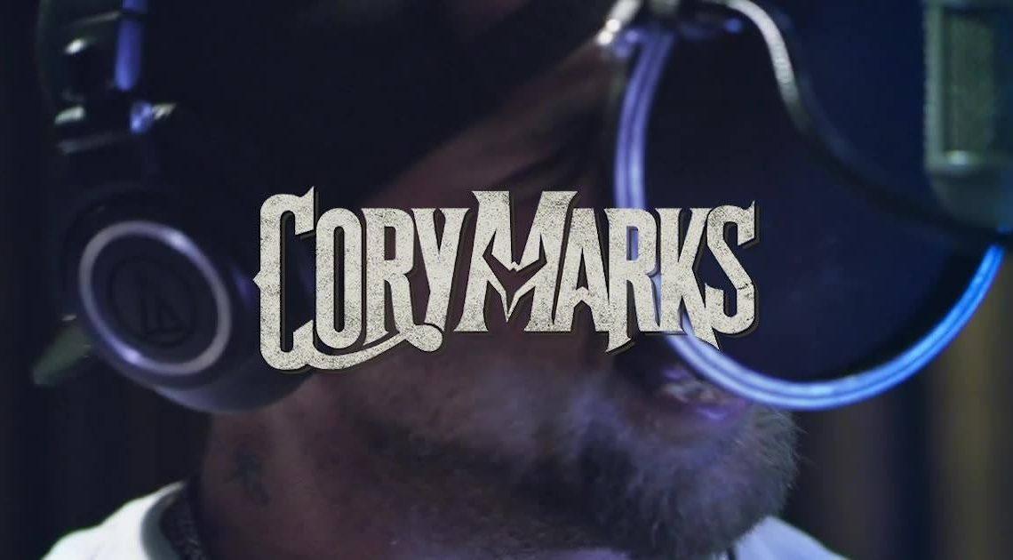 Country Rock Musician Cory Marks Introduces His Karelian Bear