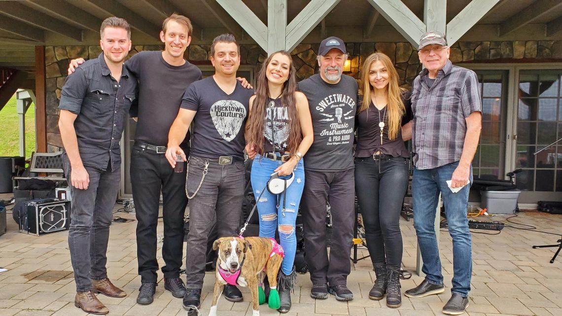 Singer Songwriter Jessica Lynn Talks Dog Rescue
