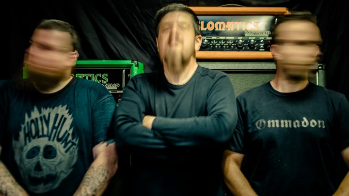 Slomatics scream into the void with new single 'Kaān' / Blackbow Records