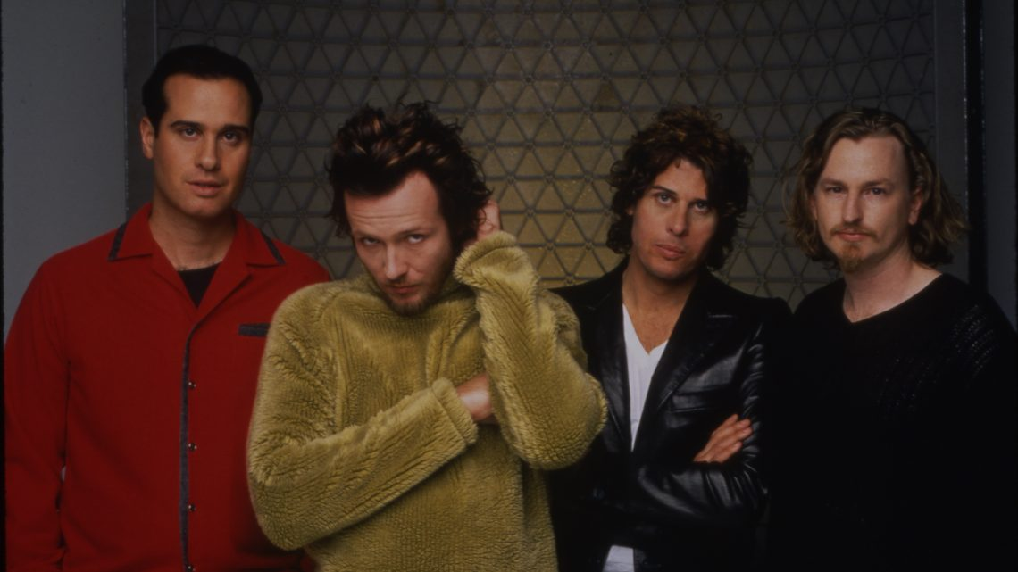 STONE TEMPLE PILOTS   ANNOUNCE SUPER DELUXE EDITION OF  'TINY MUSIC… SONGS FROM THE VATICAN GIFT SHOP'