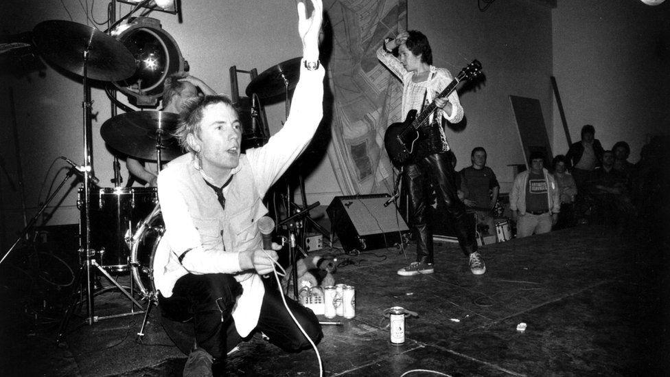 Sex Pistols: 76-77 – 4 CD Box Review