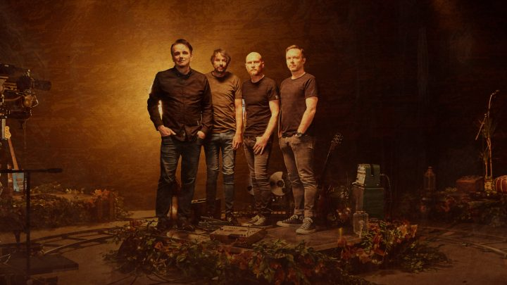 """THE PINEAPPLE THIEF ANNOUNCE THEIR RETURN TO NORTH AMERICAN STAGES IN 2022 AND RELEASE PERFORMANCE VIDEO FOR """"OUR MIRE"""" FROM NOTHING BUT THE TRUTH"""